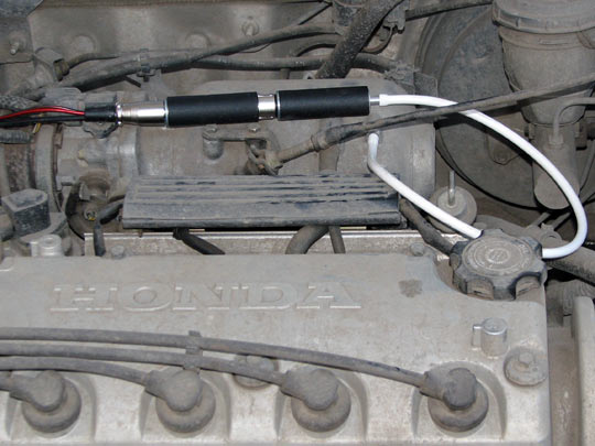 Входной штуцер датчика разреженияDx с усилителем DxAmplifier соединён со штуцером впускного коллектора при помощи длинного вакуумного патрубка