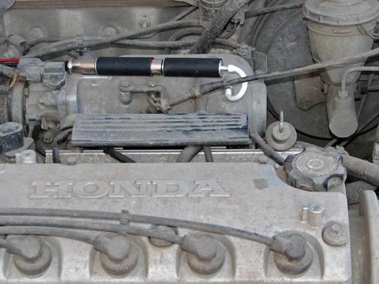 Входной штуцер датчика разреженияDx с усилителем DxAmplifier соединён со штуцером впускного коллектора при помощи короткого вакуумного штуцера