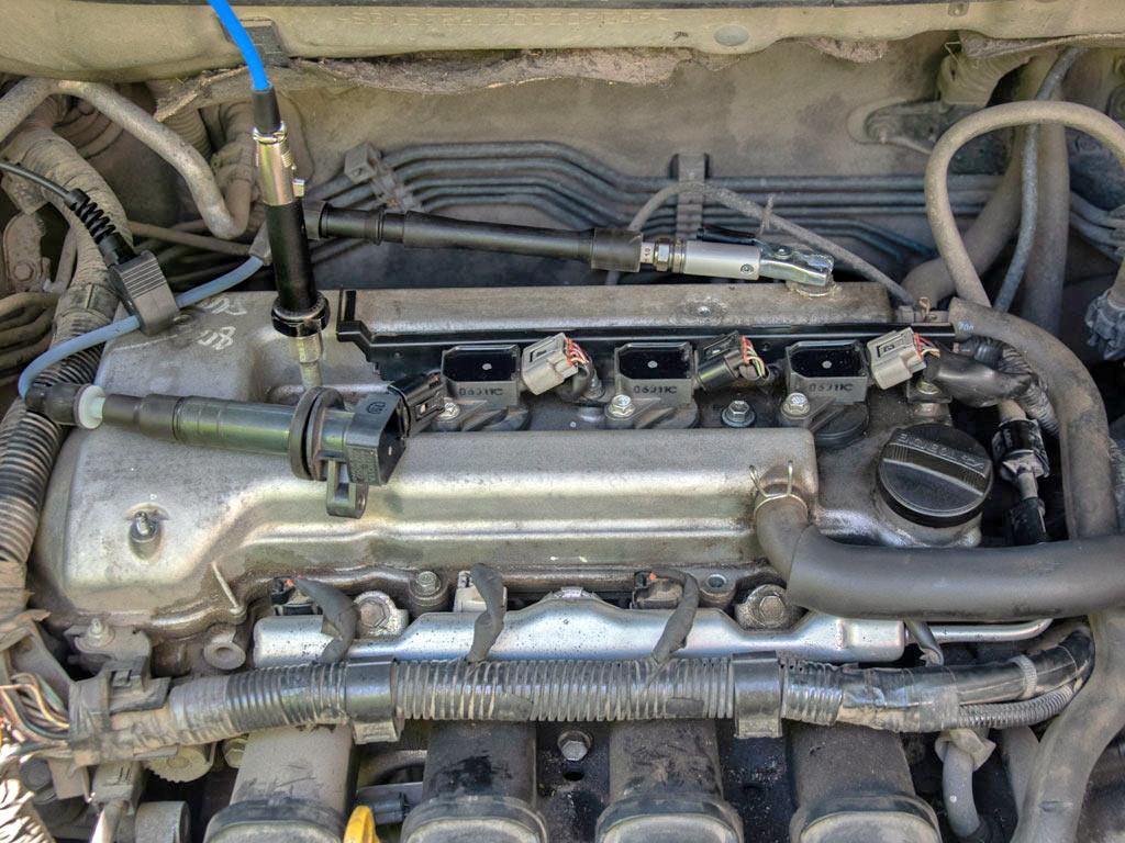 ДатчикдавленияPx35вкручен в свечное отверстие двигателя с 4-мя клапанами на цилиндр через пневматический удлинитель